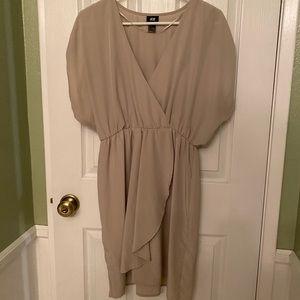 Beige H&M dress. Size 10. Worn once.